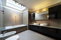 Badkamer met vloerverwarming en keramisch parket