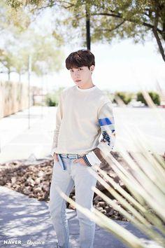Naver x Dispatch has released new, summery photos from BTS's trip to Las Vegas. when BTS traveled to Las Vegas for the 2019 Billboard Music Awards. Gwangju, Foto Bts, Bts Photo, Photo Shoot, Jung Hoseok, Billboard Music Awards, K Pop, Memes Fr, Rapper