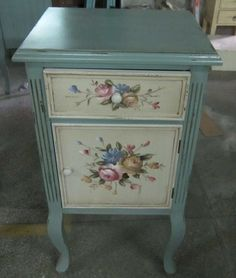 Decoupage Furniture, Chalk Paint Furniture, Hand Painted Furniture, Repurposed Furniture, Shabby Chic Furniture, Vintage Furniture, Diy Furniture, Funky Home Decor, Decoupage Vintage