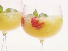 Food Network invites you to try this Champagne Sangria recipe from Giada at Home. Summer Drinks, Fun Drinks, Alcoholic Drinks, Beverages, Refreshing Drinks, Giada De Laurentiis, Champagne Cocktail, Cocktail Drinks, Wine Cocktails