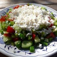 Met mijn zus praat ik ook regelmatig over eten (hoe kan het ook anders) Zij heeft een Bulgaarse schoondochter en dus een beetje bekend met de Bulgaarse keuken.... Feta, Potato Salad, Vegetarian Recipes, Grains, Rice, Potatoes, Ethnic Recipes, Salad, Tomatoes