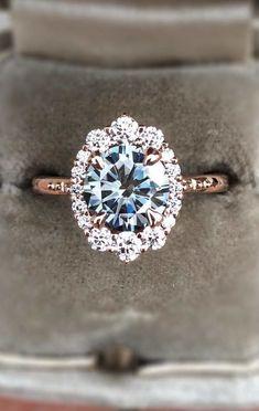 stunning diamond rose gold engagement ring for 2018 #engagementrings