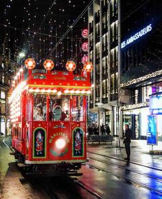 hoto Highlights of Zurich at Christmas and Christmas decortions Dates, Highlights, Zurich, Switzerland, Blog, Christmas Decorations, Travel, Viajes, Christmas Decor