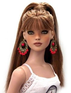 About Parker: Cinderella by Star Studios. This is not a Barbie doll. This is a Tonner doll. Pretty Dolls, Cute Dolls, Beautiful Dolls, Beautiful Beautiful, Barbie Hair, Barbie Clothes, Barbies Dolls, Chic Chic, Diva Dolls