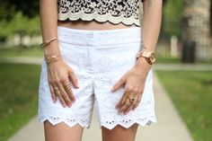 Lots of gold on #proseccoandplaid wearing @CapwellandCo rings and @vineyardvines eyelet shorts