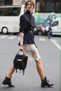 Easy and Beauty Knitting and Crochet Patterns lace skirt outfit; Stockholm Street Style, Copenhagen Street Style, Paris Street, Outfits Inspiration, Mode Inspiration, Estilo Fashion, Ideias Fashion, Street Style Looks, Stylish Street Style