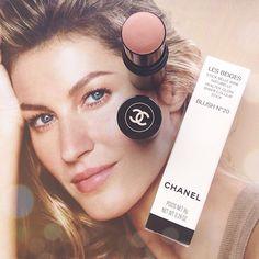 New blog post for a new @chanelofficial release - the Les Beiges Healthy Glow Sheer Colour Sticks! 🌞🌞🌞 #bblogger #bbloggers #fblogger #fbloggers #blog #blogger #blogging #rosegoldblog #beauty #beautyblogger #chanel #chanellove #chanellesbeiges #lesbeiges #healthyglowsheercolourstick #chanelhealthyglow #blush #blusher #chanelblusher #chanellesbeigeshealthyglow #giselebundchen #fotd #motd #chanelsummer #chanel2015 #chanelsummer2015 #chanelmakeup