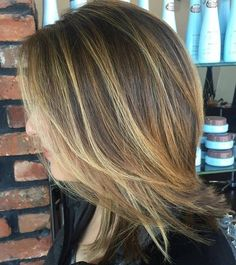 Layered+Medium+Hairstyle+With+Balayage+
