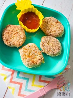 Veggie nuggets- packed with veggies and with a crunchy, yummy exterior, these are sure to please even the fusssiest anti-veggie kid! This recipe is great as a dinner side! Or works well cold in the lunchbox. Sweet Potato Baby Food, Sweet Potato Waffles, Veggie Recipes, Baby Food Recipes, Chicken And Vegetables, Veggies, Veggie Nuggets, Healthy Finger Foods, Chocolate Chip Pancakes
