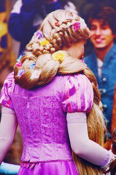 disney world pictures: Photo Disney World Pictures, Disney Pics, Disney Love, Walt Disney, Disney Princess Cosplay, Rapunzel Cosplay, Disney Princess Rapunzel, Disney Costumes, Disney Outfits