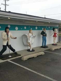The Polk-a-Dot Drive In in Braidwood, IL