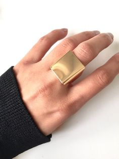 Oversized square ring #ring #oversized #square #accesories #jewelry #ad