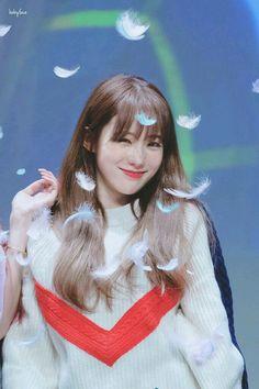 Yuehua Entertainment, Starship Entertainment, Wjsn Luda, Xuan Yi, Cheng Xiao, Cosmic Girls, Cute Korean, Kpop Girls, Girl Group