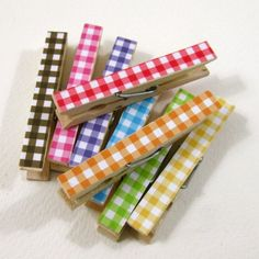 paper & modge podge - or washi tape for MOM Cute Crafts, Diy And Crafts, Arts And Crafts, Paper Crafts, Clothespin Crafts, Clothes Pegs, Creation Couture, Mocca, Scrapbook Paper