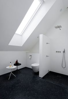 Kinderbadkamer op zolder