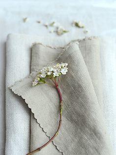 Vintage Plain & Mouse Linen