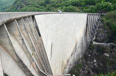 Base jumpen Verzasca dam