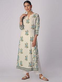 Ivory-Green Block-printed Organic Cotton Kurta with Slip (Set of Printed Kurti Designs, Kurti Neck Designs, Kurta Designs Women, Lehenga Designs, Blouse Designs, Pakistani Dresses Casual, Pakistani Dress Design, Sabyasachi Dresses, Salwar Pattern