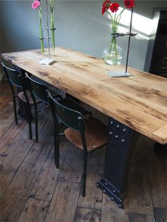grande table industrielle plateau chene massif pietement metal Eiffel Dining Table, Deco, Decor, Furniture, Home Kitchens, Table, Home, Rustic Dining Table, Home Decor