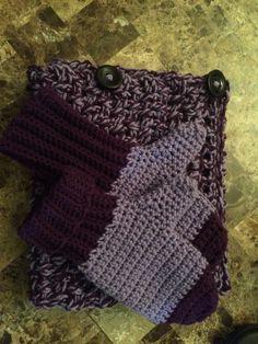 Make it a match. Matching cowl and mittens.