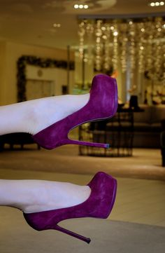 Oh, if I could wear stilettos, these would my awesome shoes. Hot Shoes, Crazy Shoes, Pump Shoes, Me Too Shoes, Shoe Boots, Shoes Heels, Sexy Heels, Ugg Boots, Purple Pumps