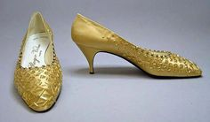 Shoes Roger Vivier, 1963 The Metropolitan Museum of Art (OMG that dress! Ringo Starr, 1960s Fashion, Vintage Fashion, Vintage Shoes, Vintage Outfits, Roger Vivier Shoes, Plastic Shoes, Dior Shoes, Shoe Clips