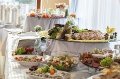 Dine365, Buffalo's premier dining deals site, discusses the new trend of incorporating food trucks at weddings.