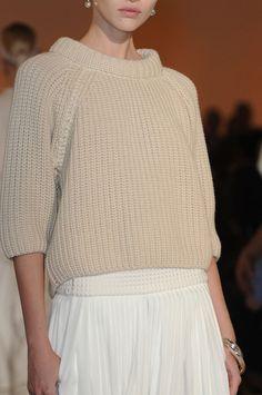 Hermès Spring 2012 - Details...details great sweater !