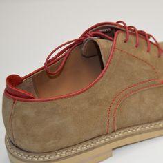 Sois de los que os encanta lucir calzado fabricado en serraje? Este verano en Luis Gonzalo os hemos preparado autenticas joyas de serraje para que disfrutéis y combinéis en varios colores.  #luisgonzalo #luisgonzaloshoes #footwear #hechoenespaña #serraje #calzado #colours #art #happy #fashion #summer #verano #moda #lujazo #zapatos #almansa #belengonzalo #hombre #man by luis_gonzalocalzado