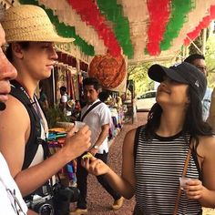 Riverdale ❤️ Cole Sprouse and Camila Mendes Camila Mendes Style, Camila Mendes Riverdale, Veronica, Camilla Mendes, Riverdale Characters, Riverdale Cole Sprouse, Dylan Sprouse, Riverdale Cast, Good Looking Men