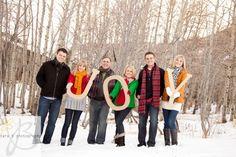 I LOVE snow family pics!