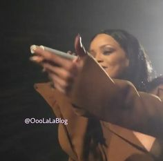 If You Missed It .... Watch This #Rihanna Fan Sing Better Than Her + Peep RiRi's Reaction!  http://www.njlala.com/2016/03/watch-this-rihanna-fan-sing-better-than.html  #OooLaLaBlog #ANTIWorldTour #RihannaNavy #RiRi #Anti #FourFiveSeconds #bloghive