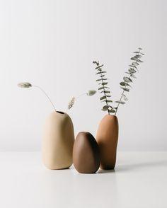Ceramic Vase, Ceramic Pottery, Cerámica Ideas, Vase Design, Vase Shapes, Terracota, Modern Ceramics, Organic Shapes, Flower Vases