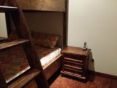 We build custom king or queen bunk beds to fit any home. If you are looking for a bunk bed in california or lake tahoe, we can help you build the bed and additional furniture that you're wanting. This luxury queen bunk bed is finished with a high quality