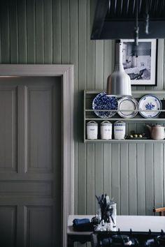 Villa strömsfors och lanseringen av L´hôtel - Lovely Life Rustic Kitchen, Kitchen Decor, Kitchen Design, Craftsman Kitchen, Kitchen Ideas, Kitchen Interior, Interior And Exterior, Interior Design, Interior Colors