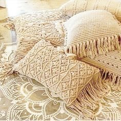 DustyPoppy - Cushion Cover Macrame Boho luxe with Tassel