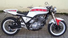 Yamaha Cafe Racer, Cafe Bike, Sr 500, Street Bikes, Sport Bikes, Cool Bikes, Bobber, Cars And Motorcycles, Motorbikes