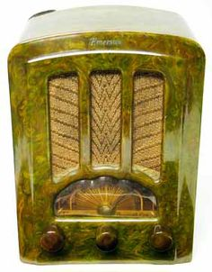 Emerson Tombstone Catalin Tube Radio