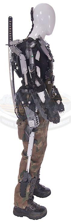 Elysium / Kruger's Exo-Hulc Suit & Samurai Sword | ScreenUsed.com Character Concept, Concept Art, Character Design, Powered Exoskeleton, Armor Clothing, Sci Fi Armor, Future Soldier, Ex Machina, Samurai Swords