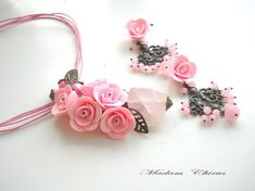 Pendant and earrings with pink roses by Malfarka on Etsy