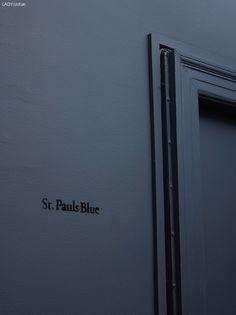Bilderesultat for jotun lady deco blue St Pauls Blue, Tv Wall Design, House Design, Dark Blue Bedrooms, Jotun Lady, Blue Wall Colors, Room Colors, Behr Paint Colors, Deco Blue