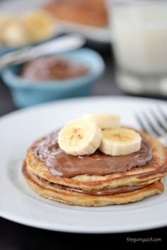 This homemade Banana Pancakes recipe is an easy, family-friendly breakfast! These buttermilk pancakes have added nutrition with the mashed bananas. It's like having banana bread for breakfast. Tasty Pancakes, Homemade Pancakes, Buttermilk Pancakes, Banana Pancakes, Nutella Recipes, Banana Bread Recipes, Breakfast Restaurants, Breakfast Recipes, Breakfast Ideas