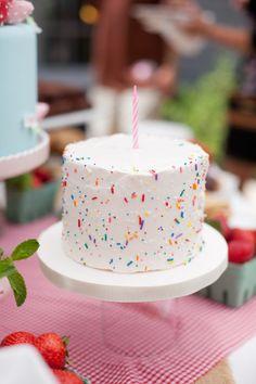 Sprinkle (smash) cake//