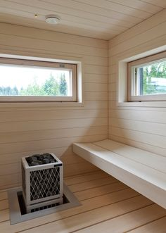 Suojaa saunasi lialta ja kosteudelta. Tikkurilan Supi tuoteperheestä löydät kaikille pinnoille sopivat tuotteet. Benefits Of Steam Bath, Traditional Saunas, Dry Sauna, Outdoor Sauna, Sauna Design, Finnish Sauna, Wooden Room, Steam Room, Garden Buildings