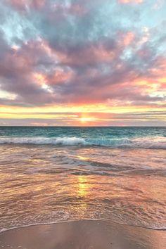 How to Take Good Beach Photos Strand Wallpaper, Sunset Wallpaper, Nature Wallpaper, Bridge Wallpaper, Wallpaper Tumblr Lockscreen, Wallpaper Wallpapers, Sky Aesthetic, Photo Instagram, Beach Photos