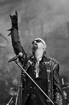 #robhalford #platoniclove #metalgod Judas Priest, Heavy Metal Music, Heavy Metal Bands, Blues Rock, Rock Roll, Rob Halford, Rock Of Ages, Rock Legends, Black Sabbath
