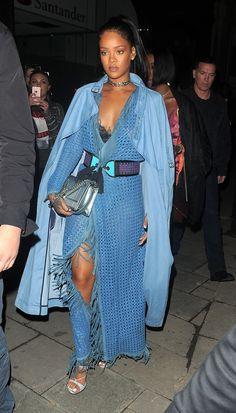 Mode Rihanna, Rihanna Riri, Rihanna Song, Look Fashion, Fashion Outfits, Womens Fashion, Fashion 2020, Rihanna Street Style, Look Kylie Jenner