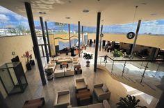 """Recepción de la reforma de Apartotel a Hotel de 4 estrellas """"Las Costas"""" en Puerto del Carmen, Lanzarote. Año 2006."""