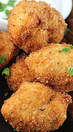 Parmesan Ranch Chicken Bites Party Food And Drinks, Party Snacks, Mini Hamburgers, Chicken Bites, Ranch Chicken, Great Appetizers, Football Food, Game Day Food, The Ranch