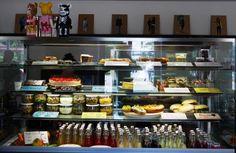 Hallo #OFFENBURG 💜💤 wir wünschen allen einen wunderschönen verkaufsoffenen Sonntag 😇 und wenn ihr mal zwischendurch eine Stärkung oder Pause braucht, in unserer Frische-Theke ist für jeden was dabei 😋 von hausgemachtem Bauernbrot mit Aufstrichen, über Panini-Sandwich bis lecker Kuchen... wir im Z Café Offenburg freuen uns auf Euch 😍